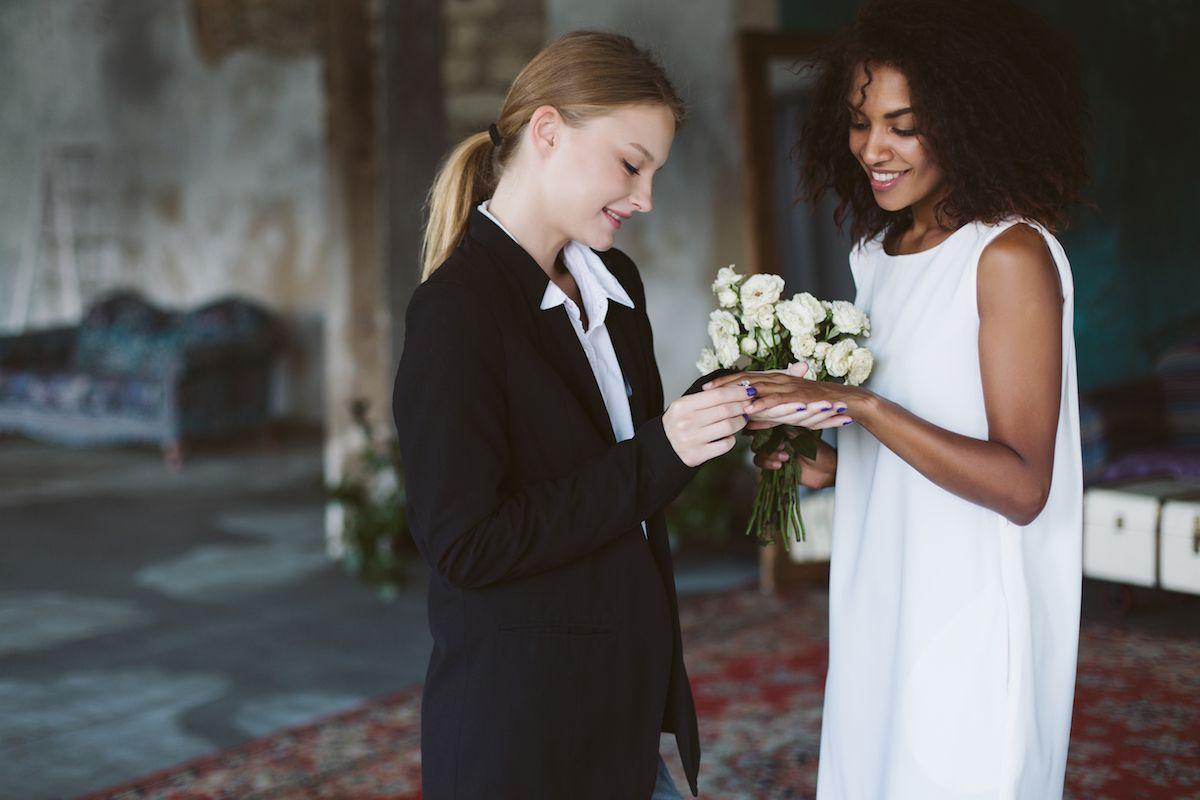 Hochzeit in Hosen – passt das? Online