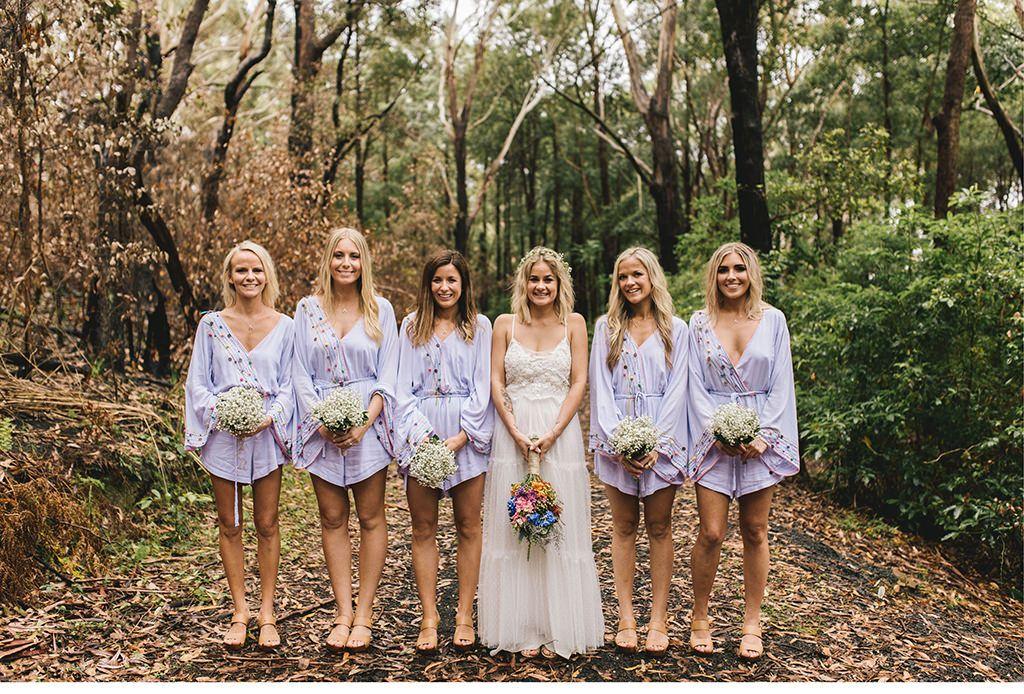 junggesellinnenabschied in weiß und lila