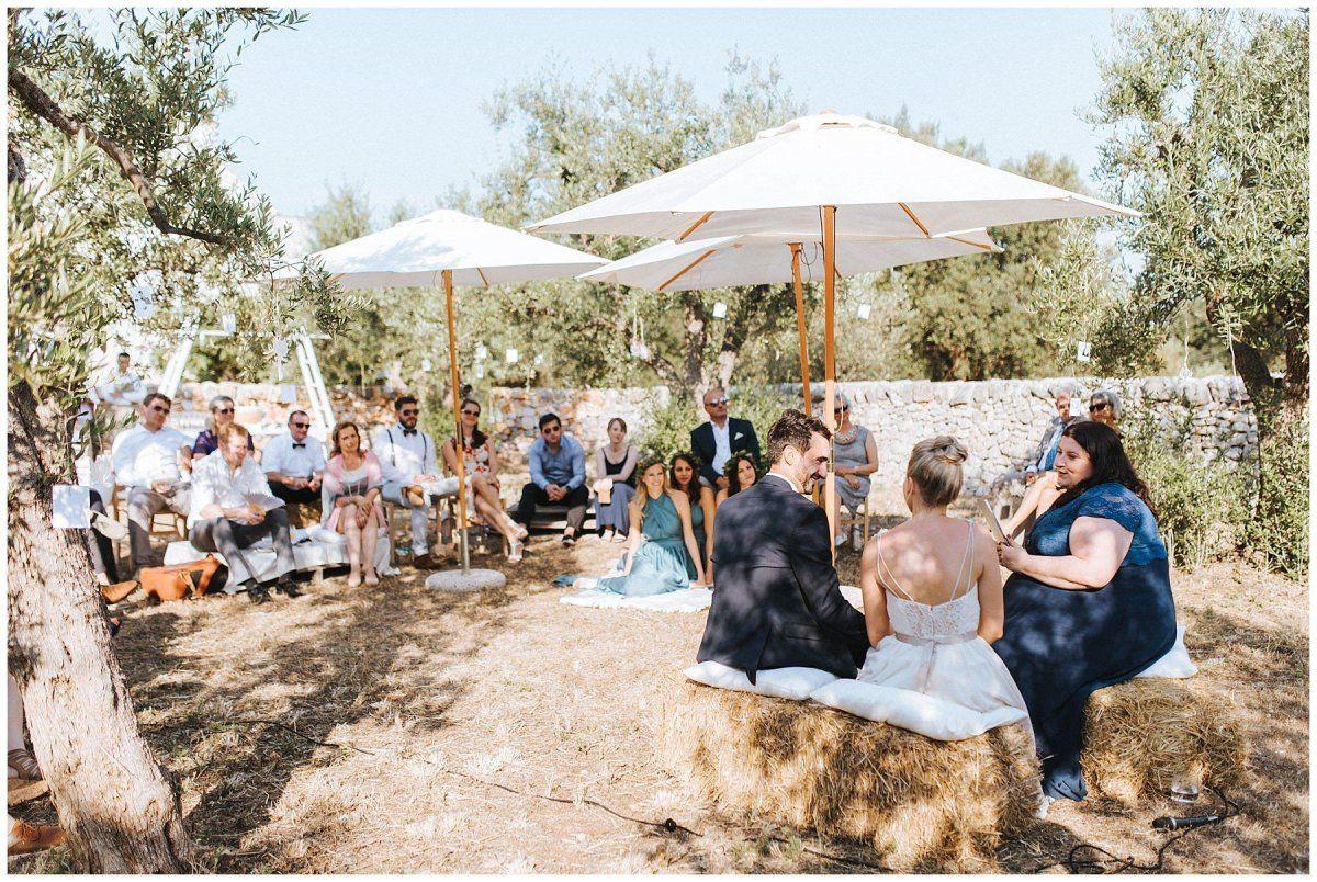 Eine Trauung in der Toskana in einem Olivenbaum-Garten