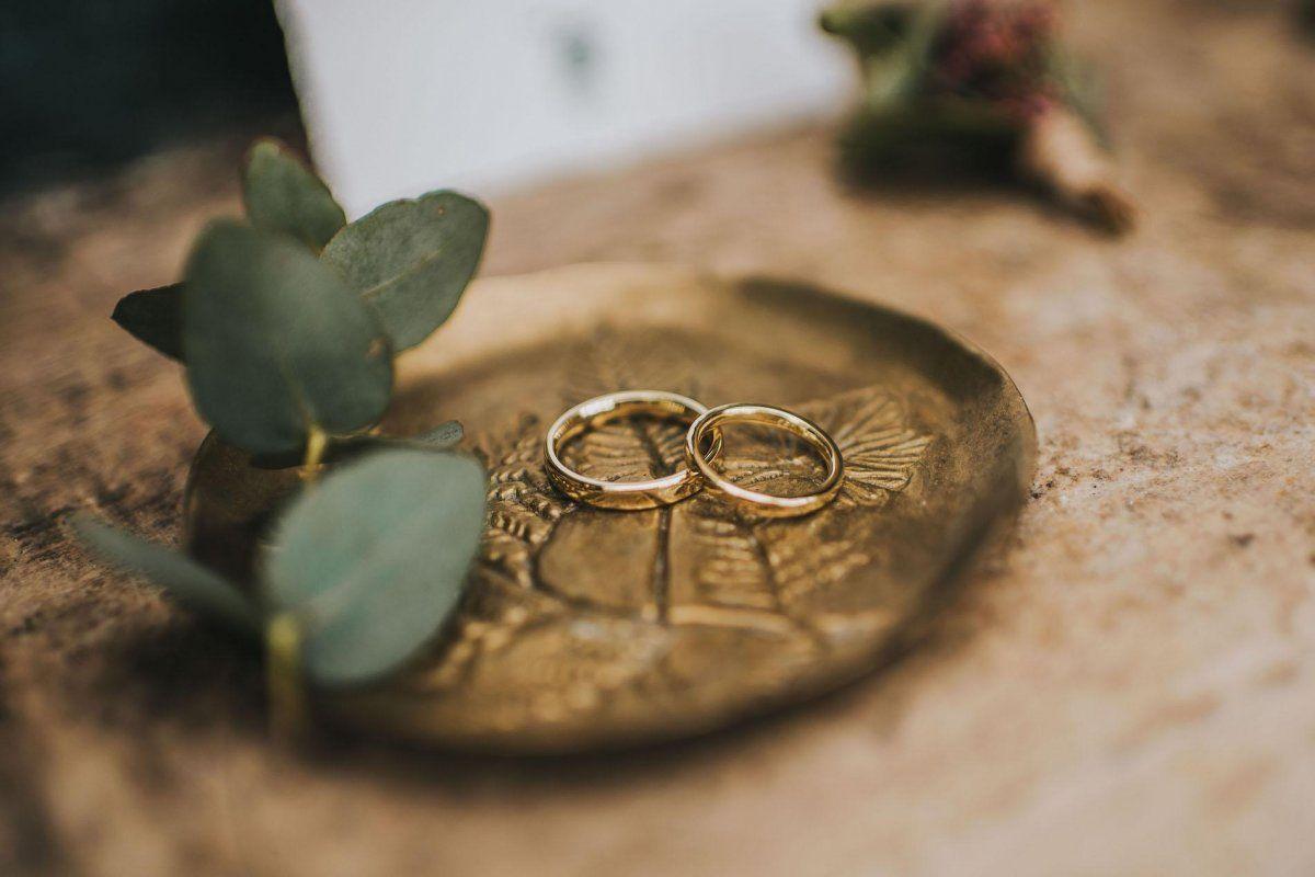Verlobungsring rechts oder links türkei