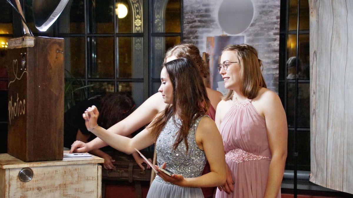 Die Fotobox auf der Hochzeit einstellen