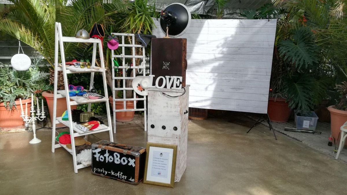 Set-up einer Fotobox auf der Hochzeit