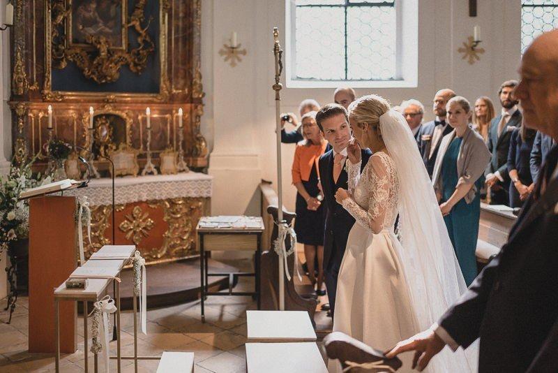 Brautpaar am Altar