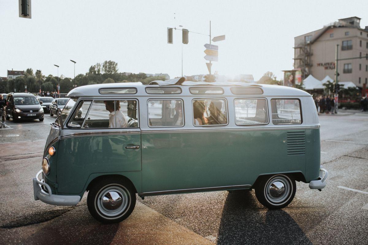 Bus für den Hochzeitskorso